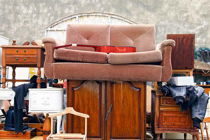 вывоз шкафов и дивана